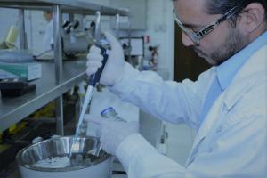 Estudiante de Postgrado en Laboratorio